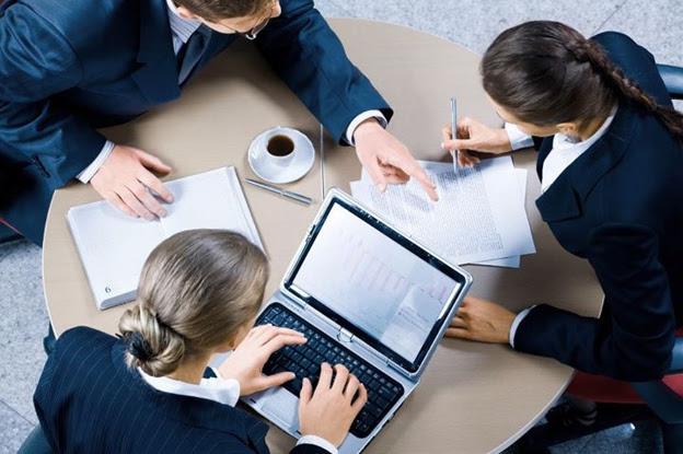 Запуск продаж франшизы потребует от вас создания нового направления в бизнесе с выделением для этого денежных ресурсов и минимум одного-трёх выделенных в отдельное подразделение специалистов, занимающихся только продвижением, развитием и поддержкой франчайзингового направления